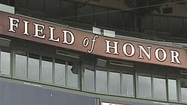 Huge crowd expected Saturday at Miller Park for the Honor Flight documentary screening.
