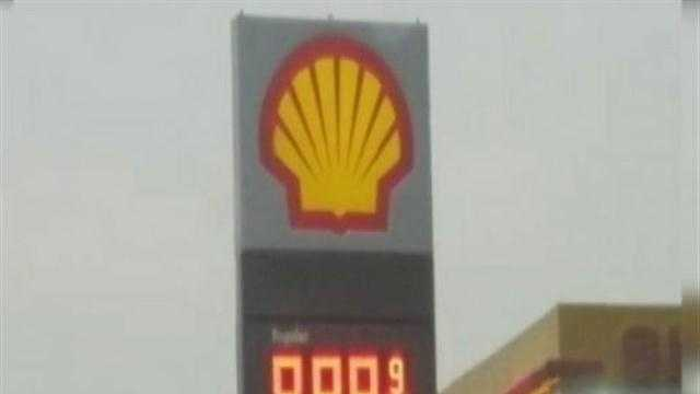Drivers near one Green Bay gas station did a double-take as the roadside sign said regular unleaded was selling for $9.89 a gallon!