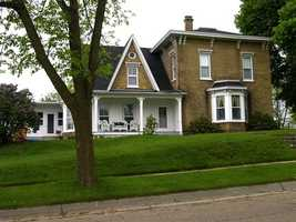 According to the 2010 census, 85.3 percent of Wisconsin residents have lived in their homes for more than one year.