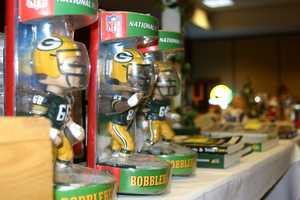 A number of bobble heads are available for bid