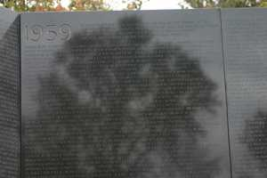 The memorial spans 1959 to 1975.