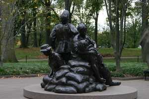 Statue dedicated to the women who served in Vietnam.