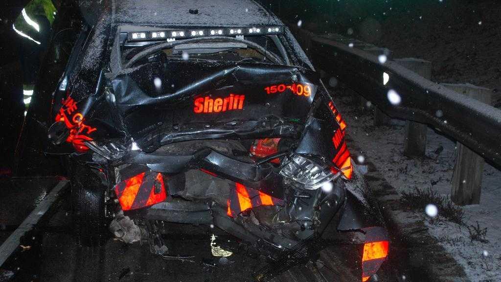 deputy car crashed