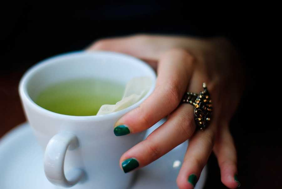 Green tea:  The leaves contain antioxidants that can help boost immune functions.