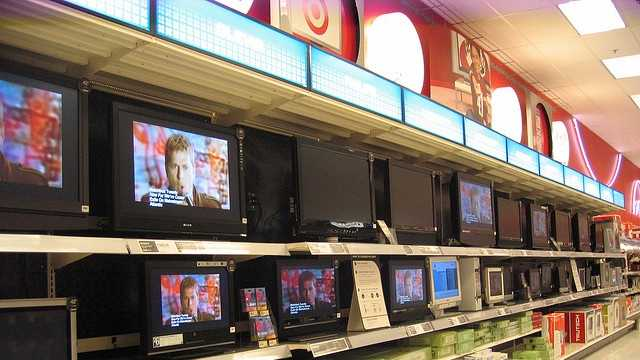 televisions in a store.jpg