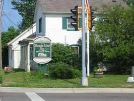 Range Line Inn of Mequon - 2635 W. Mequon Road, Mequon