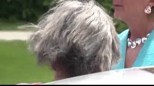 A Brown Deer family is warning residents that a convincing scammer is targeting elderly widows and widowers.