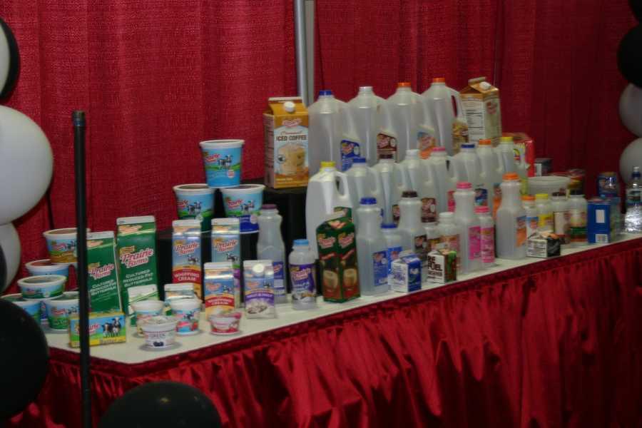 Prairie Farms Milk.