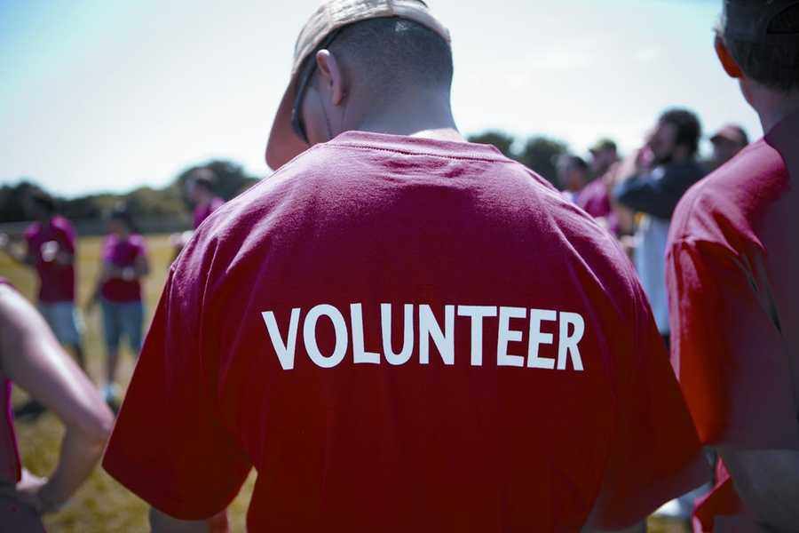 Wisconsin ranks tenth out of the 50 states when it comes to volunteering its time! Check out some of Milwaukee's volunteering opportunities and make a pledge to donate some of your time today: