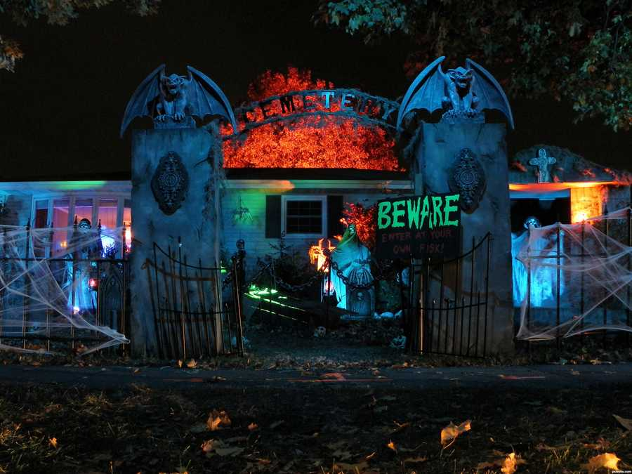 For more haunted house listings, visit http://www.hauntedwisconsin.comTo view Trick or Treat times in SE Wisconsin, CLICK HERE.