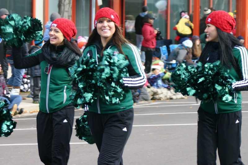 Milwaukee Bucks Energee Dancers