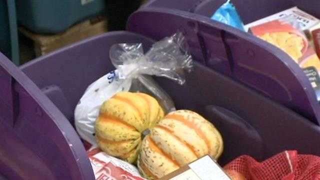 Hundreds of volunteers packed up Thanksgiving food bins for 800 families on Sunday.