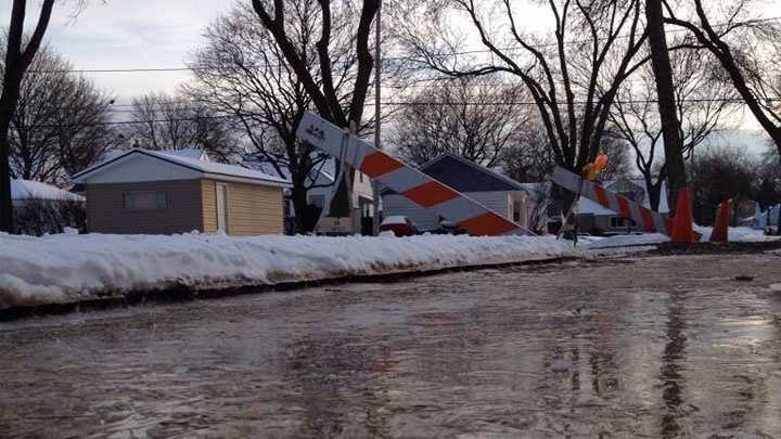 water-main-break-in-street.jpg