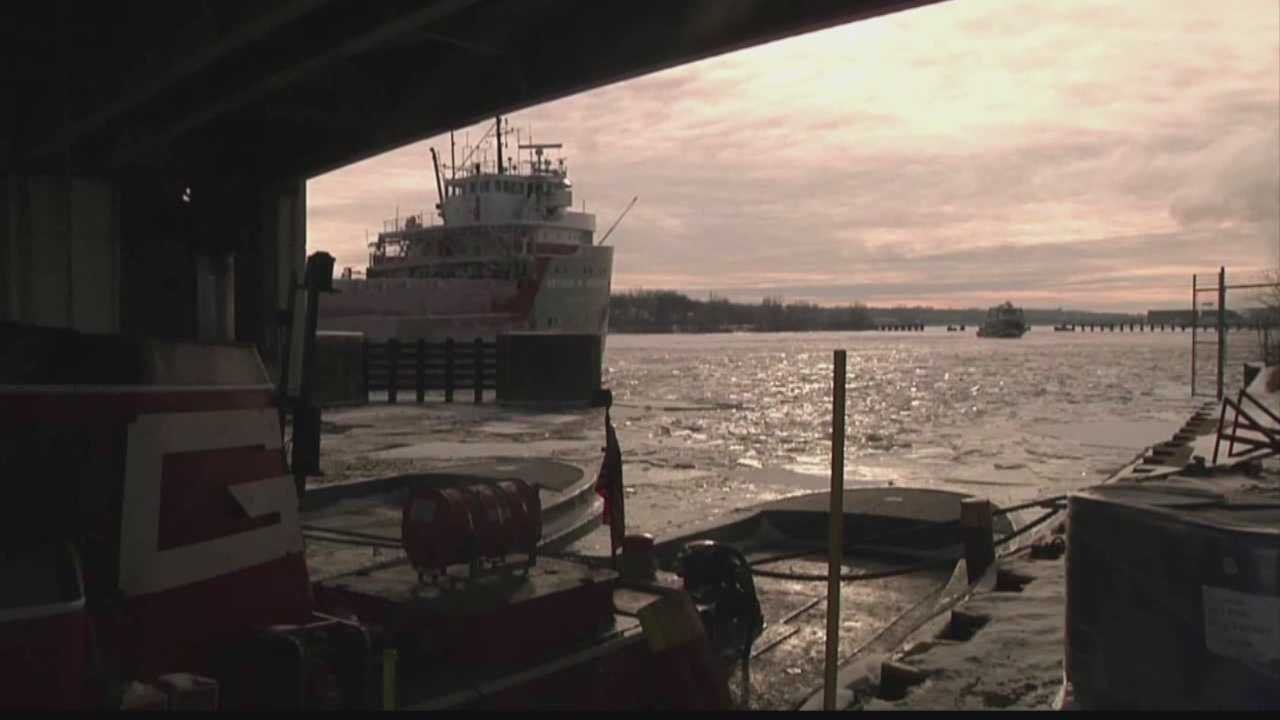 Wisconsin's cold temperatures may force the Port of Green Bay to close early.