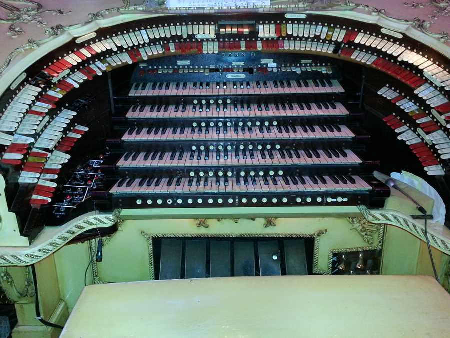Only three organs like this were ever made by Wurlitzer.