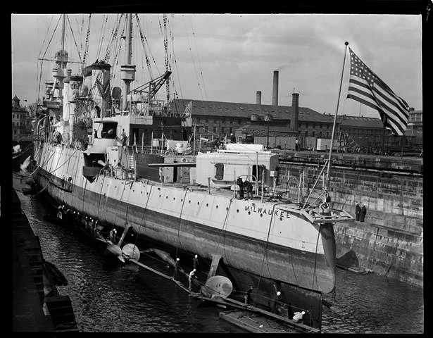 The second USS Milwaukee was a St. Louis-class cruiser that began construction in 1902.