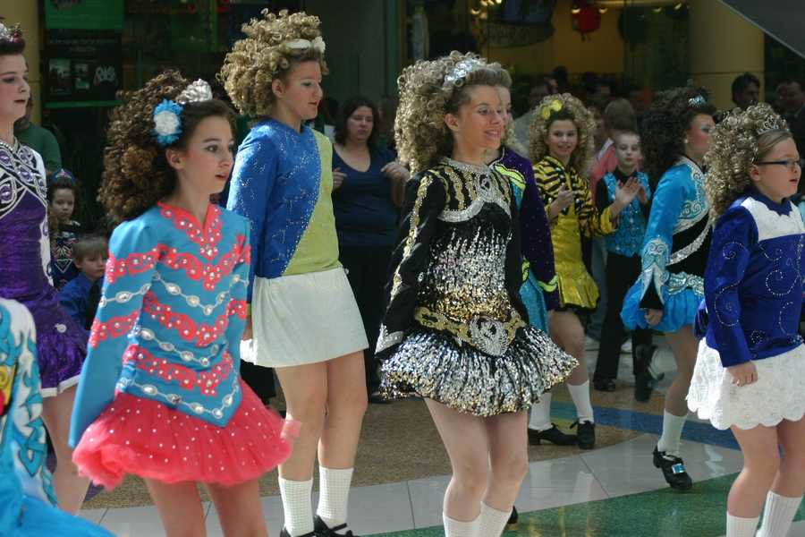 The dancing was courtesy of Cashel Dennehy School of Irish Dance.