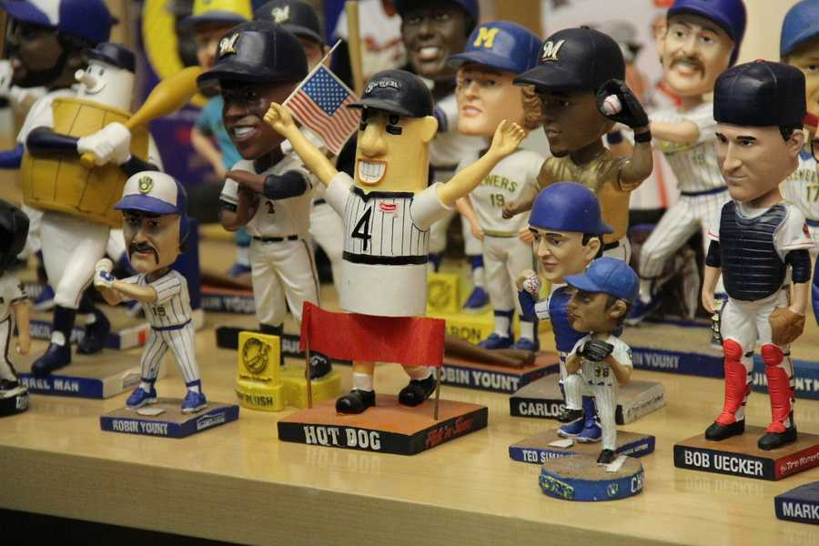 There has been a hot dog bobble... now there will be a Hank the dog bobble.