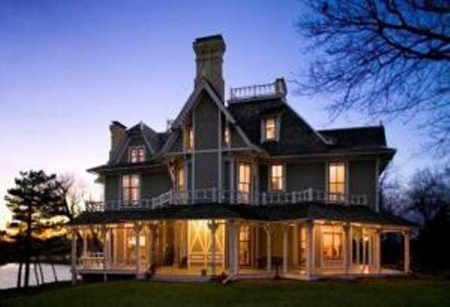 This beautiful lake house has six bedrooms and six baths and has been fully restored. All the mechanicals have been updated, It's currently listed at $1,985,000. For more information on this property, click here.