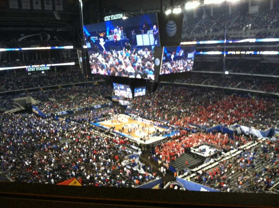 Inside AT&T Stadium right before the Wisconsin-Kentucky game.