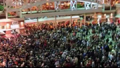 2013 concert crowd