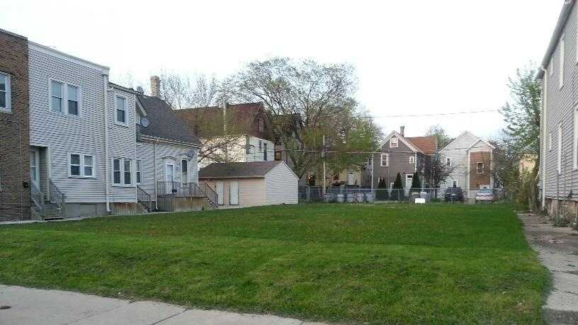 holton vacant lot.jpg