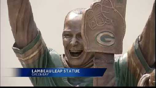 Lambeau leap statue