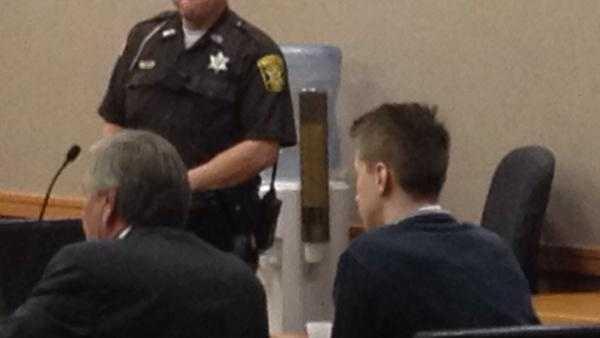 Daniel Bartelt in court 0812.jpg