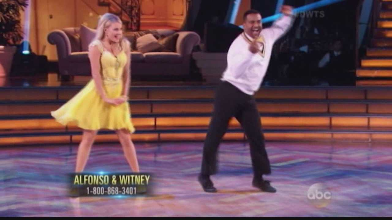 It's the moment Fresh Prince and Dancing With The Stars fans have been waiting for: Alfonso Albeiro brought back the famous 'Carlton' dance from his early years.