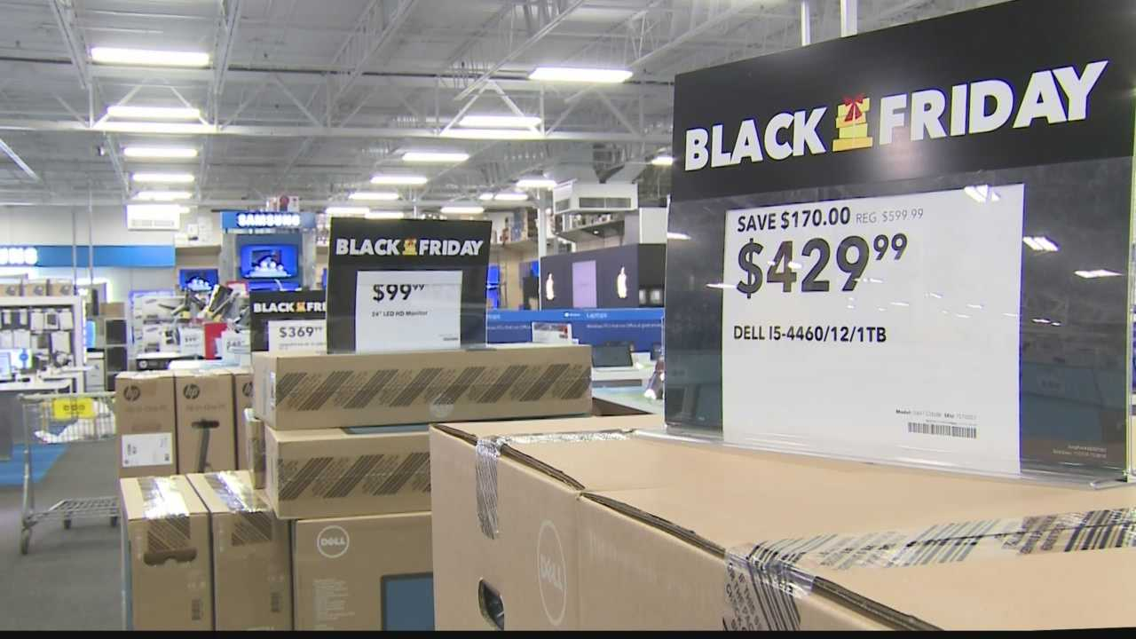 Shoppers say it's worth the wait to stand in line to get Black Friday deals.