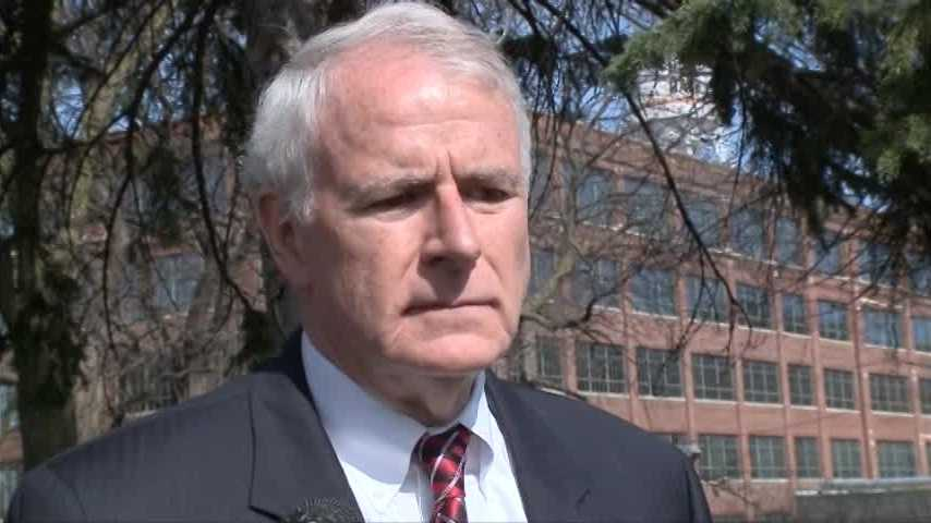 Milwaukee mayor Tom Barrett and police chief Ed Flynn discuss recent homicides in Milwaukee, along with comments on current gun law.