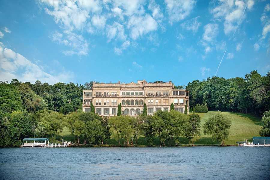Stone Manor Lakeside Penthouse