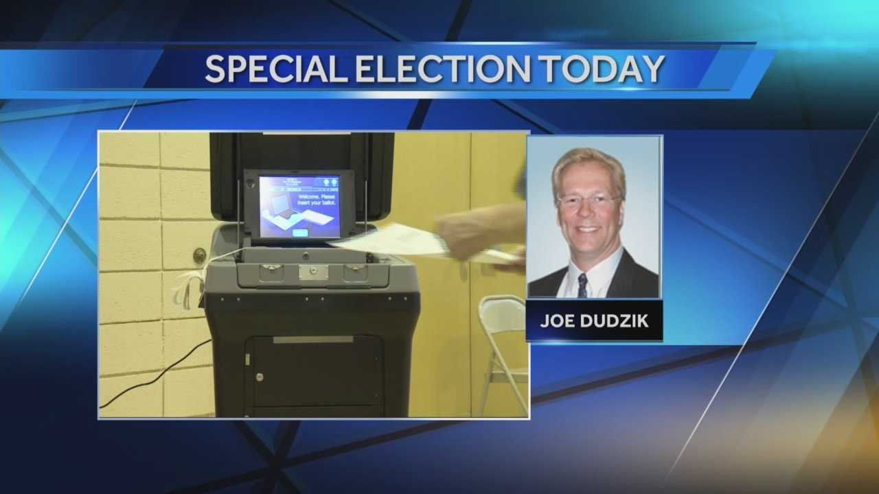 A special election will be held today to fill the Milwaukee Common Council seat held by Ald. Joe Dudzik, who was killed in a motorcycle accident.