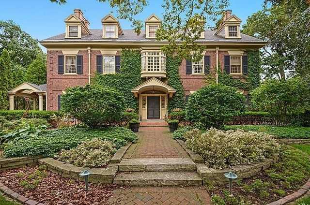 Imagine driving into your own private retreat just minutes from Downtown. This 7 bedroom, 5 1/2 bath Colonial 2 story home will have you living like The Great Gatsby!Click here to find out more!