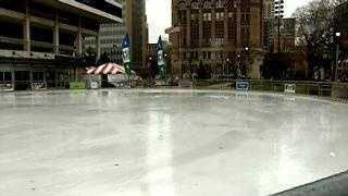 Red Arrow Park empty ice (closed) - 18174829