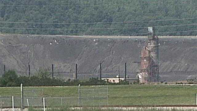 LG&E is constructing a giant dust screen to block coal ash from leaving its Cane Run Station in southwestern Jefferson County.