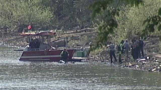 Police: Ohio River search related to Gibson investigation