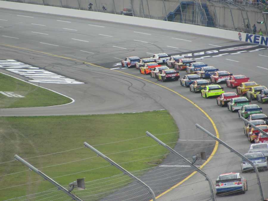 The green flag waves and the race is under way.