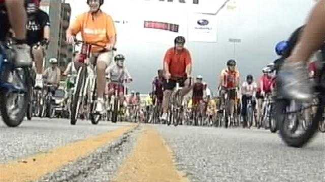 Thousands of people spent Labor Day at the semiannual Mayor's Hike, Bike and Paddle along the Waterfront in Louisville.