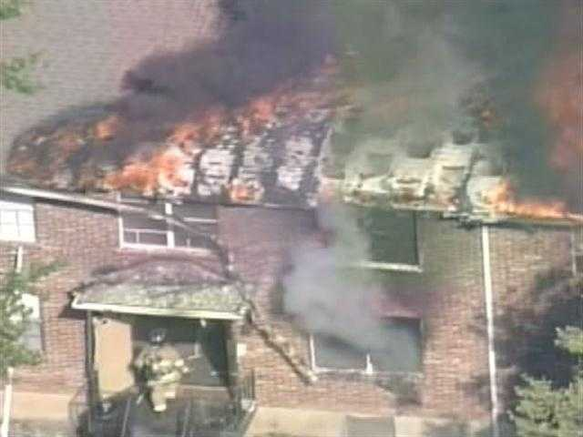 The WLKY NewsChopper flies above an apartment fire in Hikes Point.