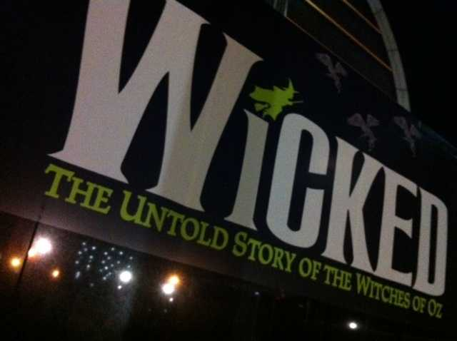 WLKY's Eric King goes behind the scenes of Wicked
