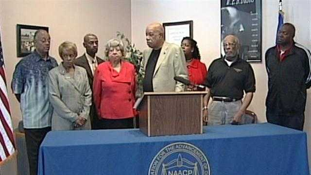 The NAACP is partnering with the Urban League in a push to get as many people as possible to the polls on Nov. 6.