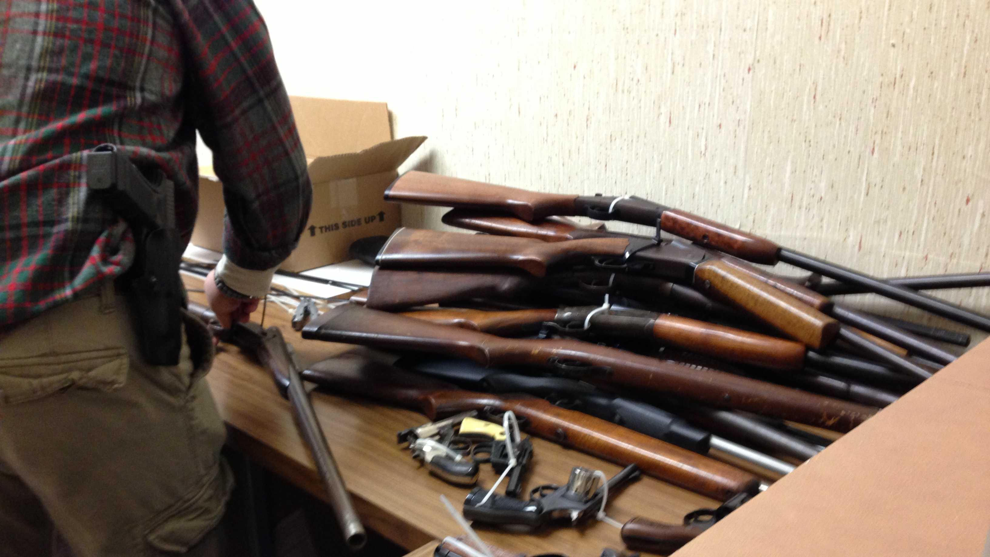 Gun buyback New Albany (7).JPG