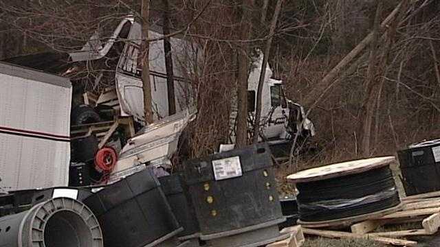 Crash on I-71 closes roadway