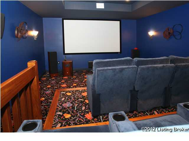 And a multimedia room to enjoy your favorite films.