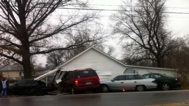 cars into garage (9).JPG