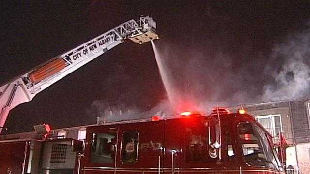New Albany apartment building catches fire