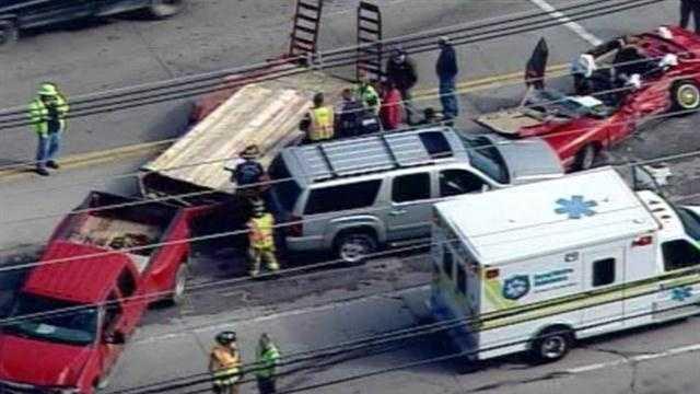 accident Poplar Level Watterson Expressway (13).jpg