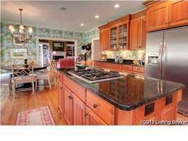 Alternative view of the kitchen.