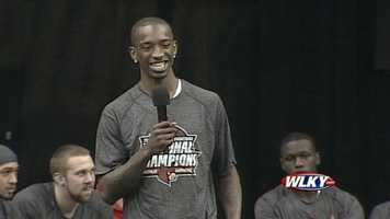 Russ Smith addresses the fans at a Louisville basketball celebration Wednesday.